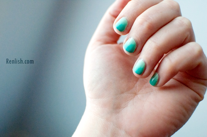 Ombre Gradient Nail Polish, Custom Kicks (China Glaze) and Mint Sorbet (Sally Hansen) - Renlish.com
